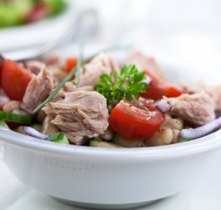 chickpea-and-tuna-garden-salad