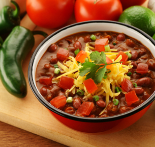 chili-with-green-salad-and-guacamole