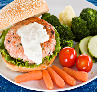 Salmon Burgers with Mango Sauce and Asparagus Recipe