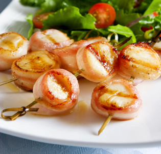 Scallops with Bacon and Asparagus Artichoke Salad