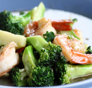 shrimp-and-broccoli-with-peanut-sauce
