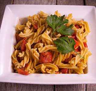 Fusilli with Creamy Pepper Sauce - Zone Diet Recipes