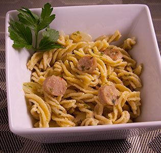 Onion and Garlic Fusilli with Chicken Sausage - Zone Diet Recipes